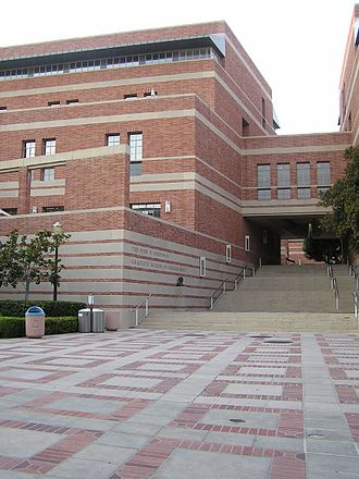 UCLA Anderson School of Management - Entrance to the Anderson School buildings