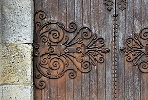 Curlicue - Image: Angoulême 16 Cathédrale penture entrée latérale sud 2013
