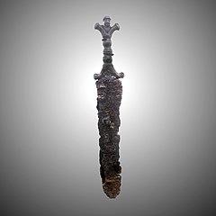 Anthropoid-handled dagger