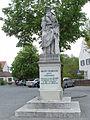 Aventinus-Denkmal-Abensberg.jpg
