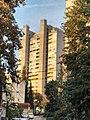 Bělehrad, Voždovac výšková budova.jpg