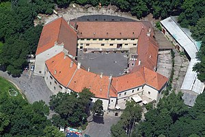 Pezinok - Image: Bazini kastelycivertanlegi 1