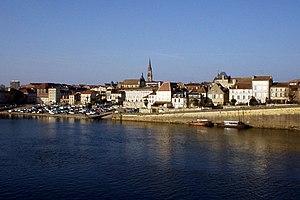 Bergerac, Dordogne - Bergerac overlooking the Dordogne river