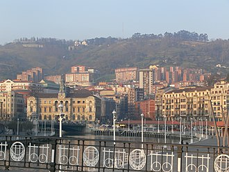 Arenal Bridge - View of the Estuary of Bilbao and the City Hall from the bridge.