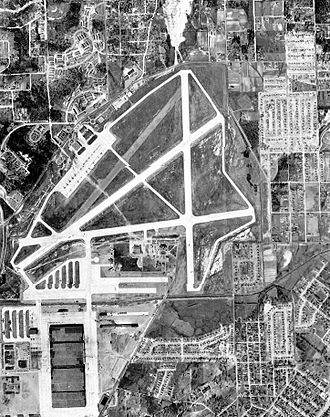 Birmingham–Shuttlesworth International Airport - Aerial photo of Birmingham Airport, March 1951