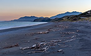 Black sand beach north of Kaikoura, Canterbury, New Zealand.jpg