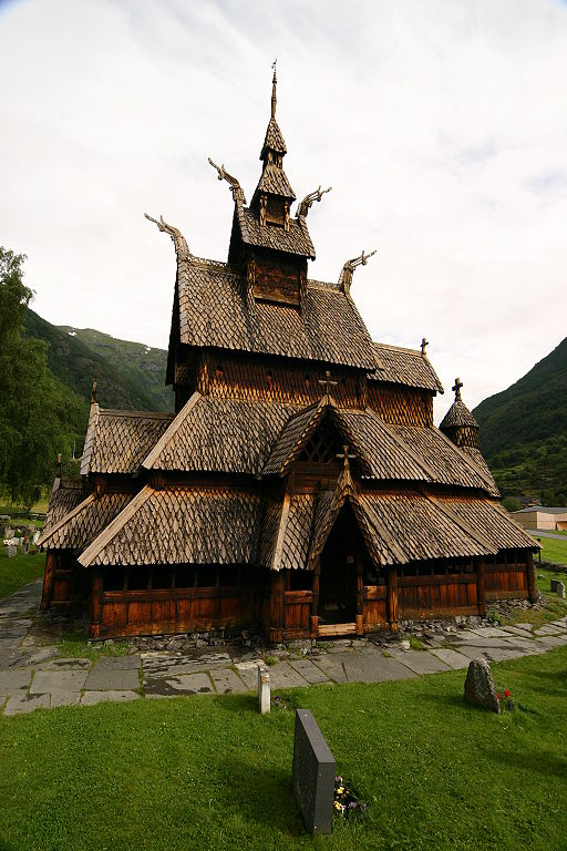 http://upload.wikimedia.org/wikipedia/commons/thumb/1/1b/Borgundstavechurch.JPG/512px-Borgundstavechurch.JPG