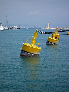 http://upload.wikimedia.org/wikipedia/commons/thumb/1/1b/Boue_amarrage.jpg/220px-Boue_amarrage.jpg