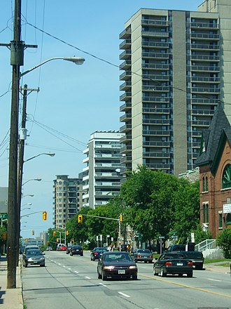 Bronson Avenue (Ottawa) - View of Bronson Avenue from Somerset Street looking northward.