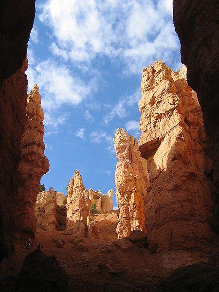 File:Bryce Canyon Hoodoos 4 edit.JPG