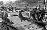 Bundesarchiv Bild 101I-201-1563-11A, Balkan, deutsche und italienische Soldaten