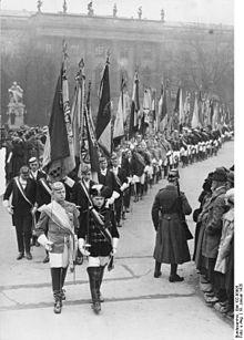 Read Online Die Schule Im Nationalsozialismus Und Ihre Kontinuität German Edition B00d5tou7w Mobi