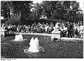 Bundesarchiv Bild 183-11163-0005, Berlin-Friedrichshain, Märchenbrunnen.jpg