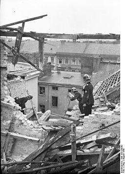 Bundesarchiv Bild 183-L08580, Berlin, Schäden nach Luftangriff