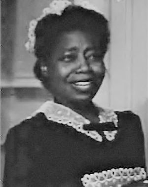 Butterfly McQueen - McQueen in Affectionately Yours (1941)