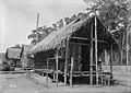 Cabana Detrabalhadores da Construção da Ferrovia Madeira-Mamoré - 886, Acervo do Museu Paulista da USP (cropped).jpg