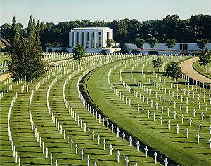 Cambridge American Cemetery and Memorial - Image: Cambridge American Cemetery and Memorial