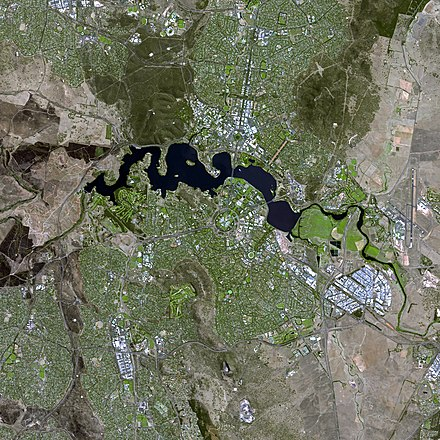 The Canberra region seen from space Canberra SPOT 1088.jpg
