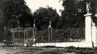 Carshalton Park - Carshalton Park Gates