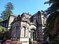 Casona en calle Burgues. Barrio Atahualpa. Detalle.JPG