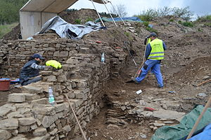 Ouren - Excavation of the Archaeological Department of the German-speaking community on the castle hill of Ouren in spring 2014.