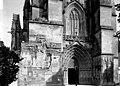 Cathédrale Saint-Pierre (ancienne) - Portail et fenêtre - Saintes - Médiathèque de l'architecture et du patrimoine - APMH00032839.jpg