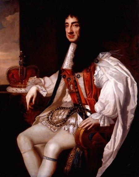 لوحة لرجل جالس، ذو شعر أسود طويل يرتدي معطفًا وسروالاً أبيضين.