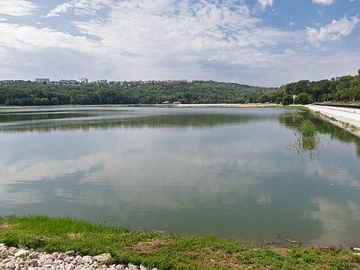 Chisinau lac Valea Morilor