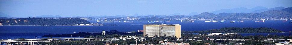Cidade Universitária da UFRJ vista a partir da Igreja da Penha