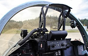 Cockpit of Sukhoi Su-27 (3).jpg