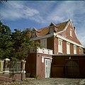Collectie Nationaal Museum van Wereldculturen TM-20029870 Landhuis Suikertuintje nabij Schottegat Curacao Boy Lawson (Fotograaf).jpg