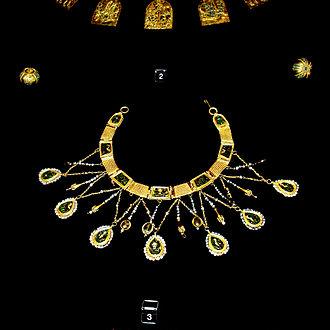 Preslav Treasure - Image: Collier byzantin Varna