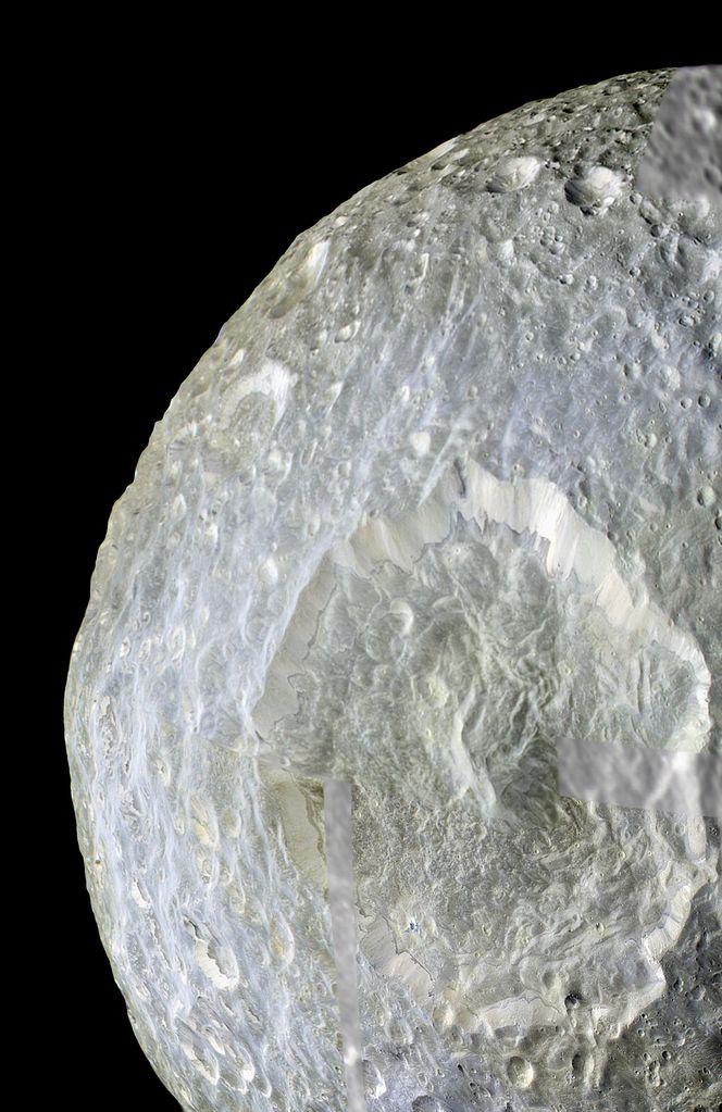Кратер Гершель на спутнике Мимас