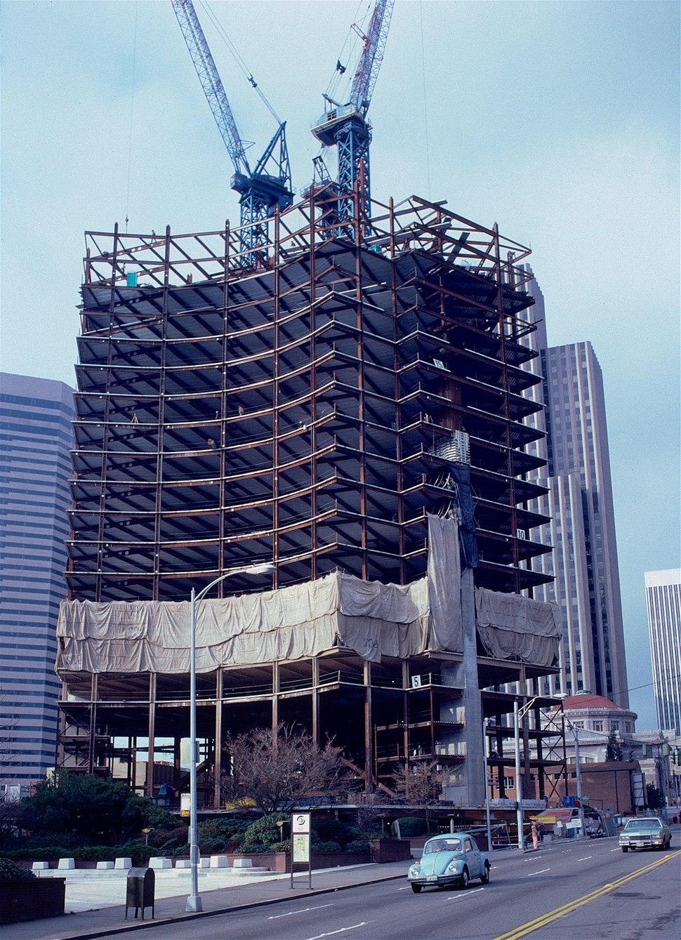Columbia Center under construction, Dec 1983