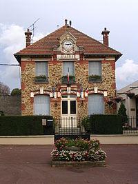 Condé-Sainte-Libiaire - Town hall.jpg