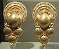 Coppia di orecchini d'oro a grappolo, da vulci, 350 ac ca..JPG