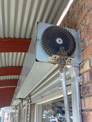 Bevel gear - Bevel gear on roller shutter door.
