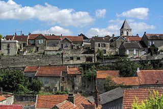 Cruzy-le-Châtel Commune in Bourgogne-Franche-Comté, France