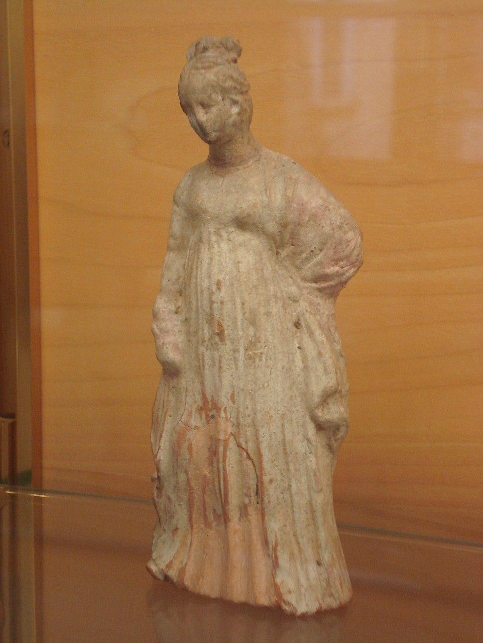 DSC00160 - Statuetta greca di offerente, del tipo ''tanagrina'', da Selinunte - Foto di G. Dall'Orto