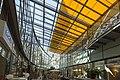 Dachkonstruktion im Stadtcenter Rolltreppe - Ladengeschäfte im Stadtzentrum von Halle Saale - panoramio.jpg