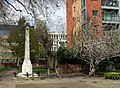 Daniel Defoe's monument at Bunhill Fields - geograph.org.uk - 775862.jpg