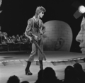 David Bowie - TopPop 1974 07.png
