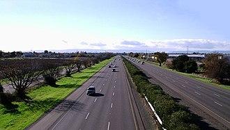 Transportation in the Sacramento metropolitan area - I-80 in Davis, as seen from an overpass