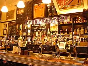 De Hems - The bar, showing the range of beers.