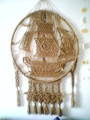 Macramé - Image: Decorative macramé ship