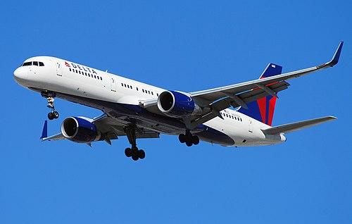 Delta Air Lines Boeing 757-232 N660DL (cn 24422-294) (5076971543) (2).jpg