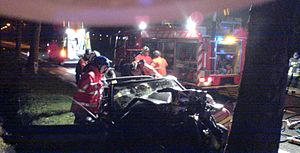 Vehicle extrication - Road accident by night; lighting and marking out — Belgium, February 2006