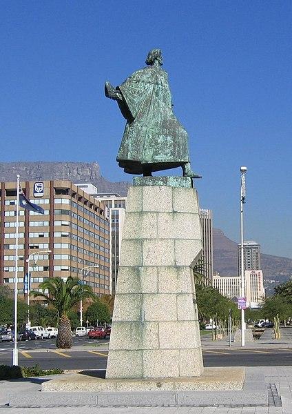 ملف:Dias statue (cropped), Cape Town.jpg