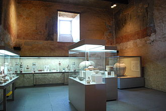 Palace of Cortés, Cuernavaca - One of the display rooms of the museum with pre-Hispanic pottery