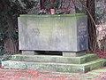 Dresden Nordfriedhof Bombentote 2.JPG